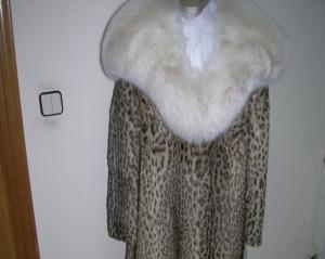 Subasta online de Abrigo de piel de leopardo. Talla 42